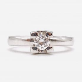 White Gold Ring with Diamond