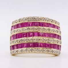 18k Gold Ring with Diamonds and Rubies