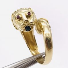 18k Gold Ring with Cheetah Shape with Diamonds, Rubies and an Emerald