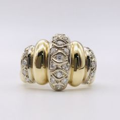 18k White Gold and Yellow Gold Ring with Diamonds