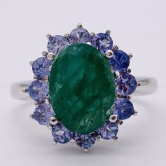 18k White Gold Ring with Emerald and Tanzanites