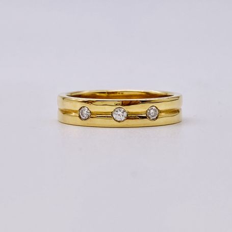 Bague en or avec diamants