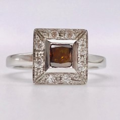 18k White Gold Ring with Orange Diamond and Diamonds