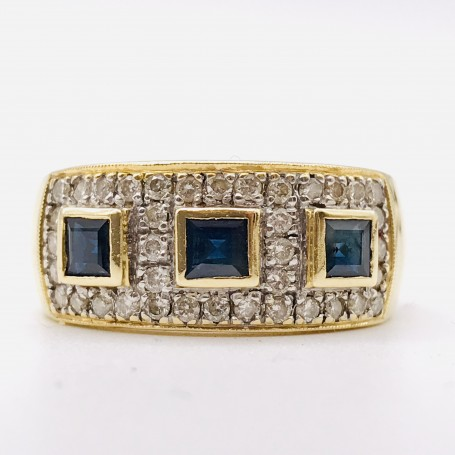 18k Gold Ring with Diamonds and Sapphires